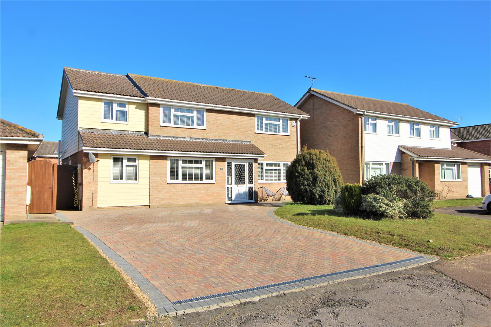 Hunt Way, Frietuna, Essex, CO13 0RQ